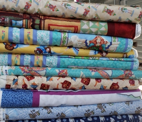 Thimbleberries//Lazy Crazy Quilt N866 Cream Red Blue Black Quilting By 1//2 Yd